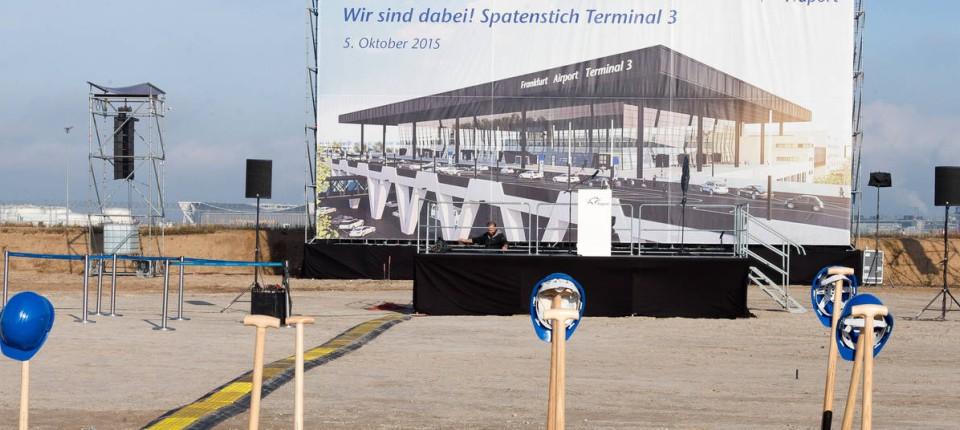 Frankfurter Flughafen An Terminal 3 Führt Kein Weg Vorbei