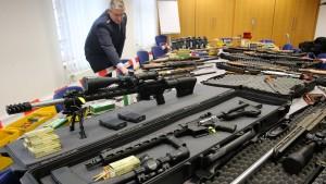 """""""Machen weiter, bis es keine Waffe mehr in Händen von Extremisten gibt"""""""