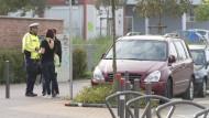 Montag früh vor der Liesel-Oestreicher-Schule: Eine Mutter hat ihr Auto auf einem Behindertenparkplatz abgestellt. Sie meint, das sei in Ordnung. Schließlich bringe sie ihr Kind zur Schule.