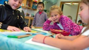 Koalition verteidigt Kinderförderungsgesetz