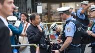20 Polizisten gegen zwei Eintracht-Fans