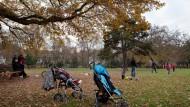 Auch unter Freizeitkickern noch beliebt: der Holzhausenpark in Frankfurt