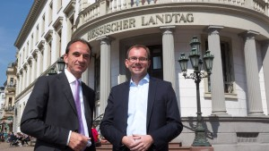 Land Hessen stockt Etat für Flüchtlingshilfe auf