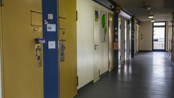 Häftling nimmt sich in Frauengefängnis das Leben
