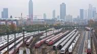Weg von den Abstellgleisen: Am Samstag ab 18.00 Uhr ist der Streik der Lokführer beendet.
