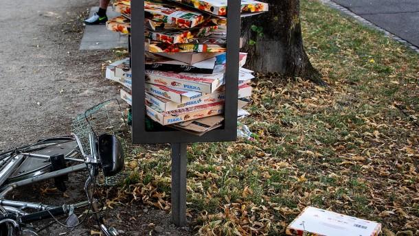 Pfand auf Pizza-Kartons geplant