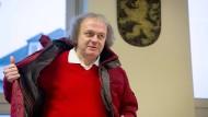 Nazi-Parolen übermalt: Aktivist muss zahlen