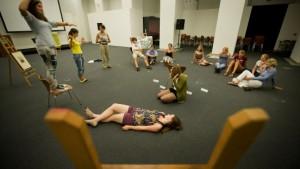 An Athene die Körperhaltung trainieren