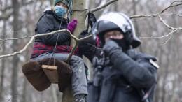 Polizei räumt letzte Camps im Dannenröder Forst
