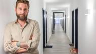 Hausherr: Eric Erdmann im neuen Wohnheim des Studentenwerks auf dem Riedberg-Campus der Uni Frankfurt. Platz ist für 95 Studenten. Erdmann ist Abteilungsleiter Wohnen beim Studentenwerk.