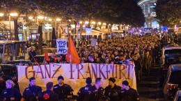 Hunderte demonstrieren in Frankfurt gegen AfD