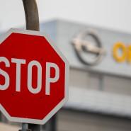 Einhalt: Die Opel-Betriebsräte fordern einen Stopp der Vergabe von Aufträgen an Fremdfirmen