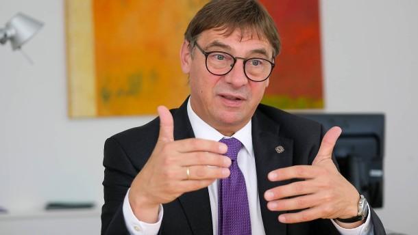 """Evangelische Kirche will sich """"weiter politisch einmischen"""""""