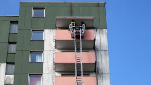 LKA sucht Ursache von Hochhausbrand
