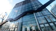 Unter Verdacht: Die Deutsche Börse ist abermals im Blickfeld von Steuer-Ermittlern.
