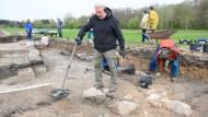 Bodennah: Suche nach jahrhundertealten Überbleibseln nahe Mainhausen