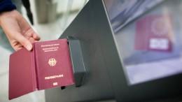 Flughafen testet automatische Kontrollen für Jugendliche