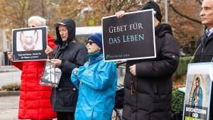 Abtreibungsgegner fechten Auflagen zu Mahnwachen an