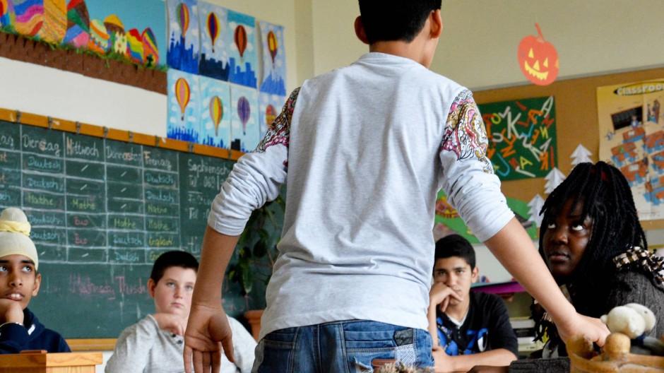 In Frankfurt finden die meisten Intensivklassen an Haupt- und Realschulen statt: eine Kasse für junge Flüchtlinge in Frankfurt