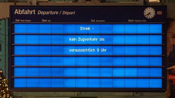 Züge fahren zunächst nur jede halbe Stunde