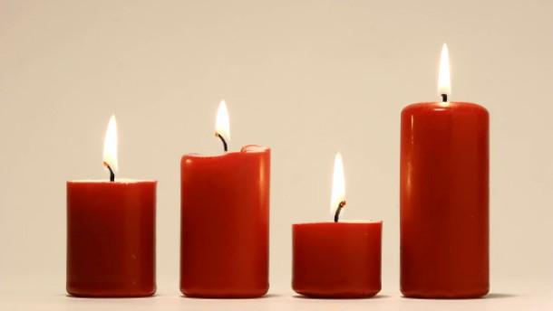 Kerzenhersteller fürchten Engpaß vor Weihnachten