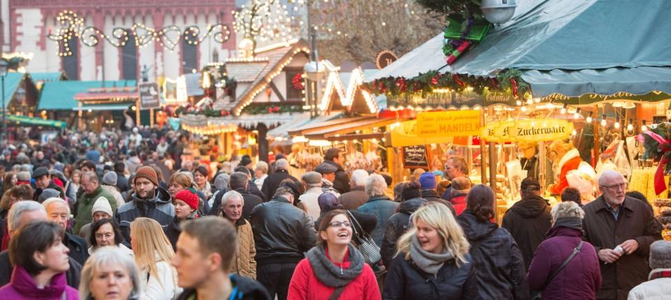 Was Kostet Glühwein Auf Dem Weihnachtsmarkt 2019.Frankfurter Weihnachtsmarkt Niedrige Standmieten Klingende Kassen