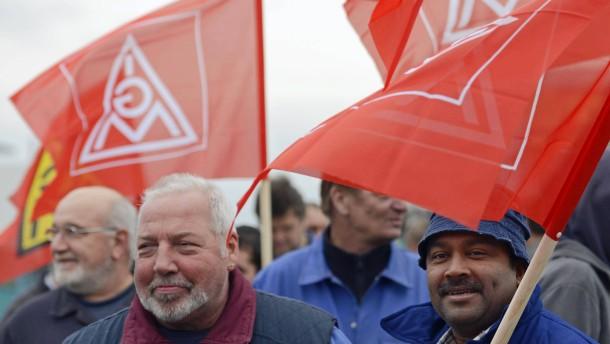 Betriebsräte sehen Beschäftigungsrisiken für Metallindustrie