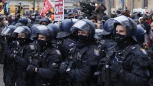 Kreuz und quer nach Demonstrationsverbot