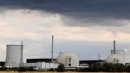 Wartestand: Das stillgelegte Kernkraftwerk Biblis könnte von 2016 an abgebaut werden