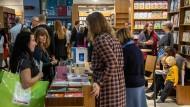 Plus: Zu Buchmesse kamen 5,5 Prozent mehr Besucher als im Vorjahr - erstmals konnte Bücher auch schon am Samstag gekauft werden