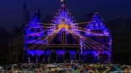 """Strahlend: Der Römer wird zur Luminale 2018 durch """"Frankfurt Fades"""" von Phillip Geist eine ortsspezifische und begehbare Lichtinstallation"""