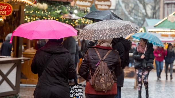 Dauerregen bringt deutliche Umsatzeinbußen