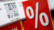 Auslaufmodell Papier: Große Handelsketten wie Rewe stellen auf digitale Preisschilder um.