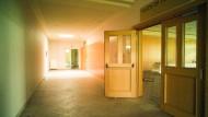 Als würde gleich zu Tisch gerufen: des ehemalige Community Center im Fliegerhorst.