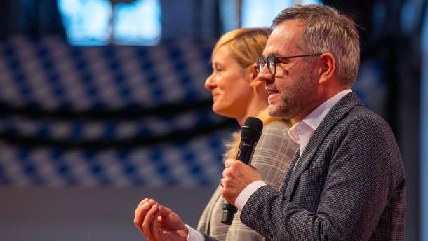 Roth sieht SPD vor Zerreißprobe