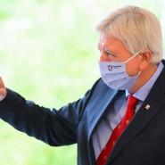 Maskenball: Volker Bouffier, Ministerpräsident des Landes Hessen