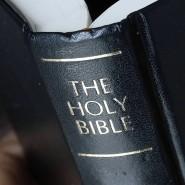 Begleiter: Für junge Amerikaner wie den Prediger Canyon Shearer, der in Frankfurt am Main das Wort Gottes verbreitet, gehört die Bibel zum Handwerkszeug