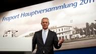 Hat 2010 mehr als eine Million Euro verdient: Fraport-Chef Stefan Schulte.