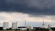 Vierzig Jahre Vergangenheit, noch vierzig Jahre Zukunft? Die Atomanlagen in Biblis werden nicht sehr bald Geschichte sein.