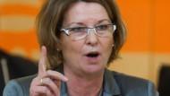 """Obacht: """"Ein Brief ist ein Brief"""", meint Ministerin Hinz - die SPD sieht in dem Schriftstück unter Verweis auf den Verwaltungsgerichtshof in des mehr"""