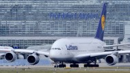 Flugzeug wegen chemischen Geruchs evakuiert