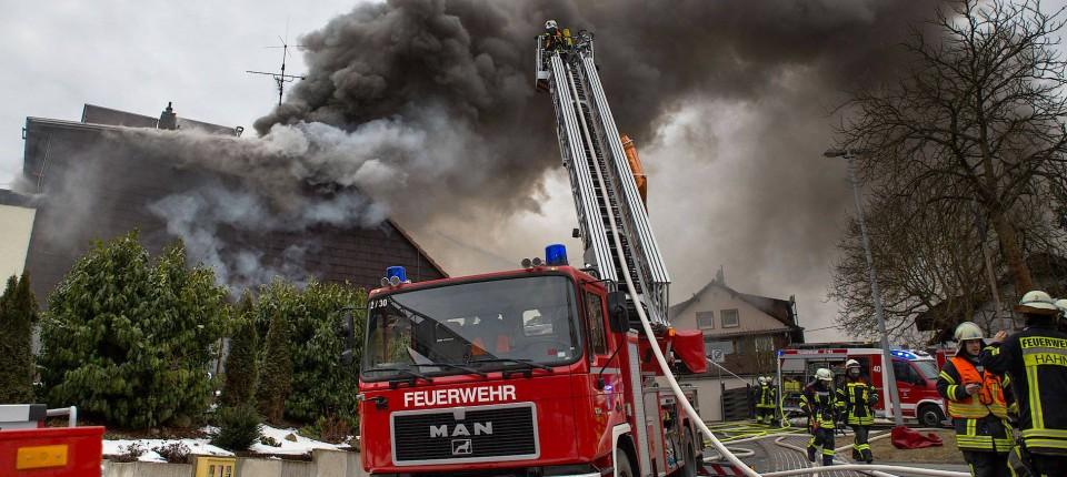Feuer In Haus Mit Waffen In Bad Schwalbach Ursache Bleibt Ein Rätsel