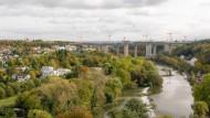 Schöner wohnen über dem Fluss
