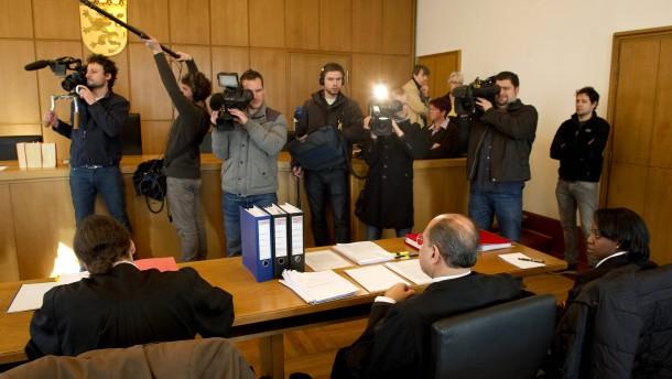 """Verwaltungsgerichtshof prueft Vereinsverbot der """"Hells Angels"""""""