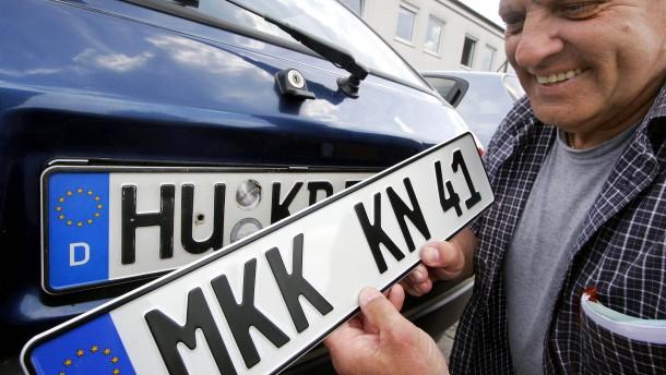 Die Sehnsucht nach alten Autokennzeichen