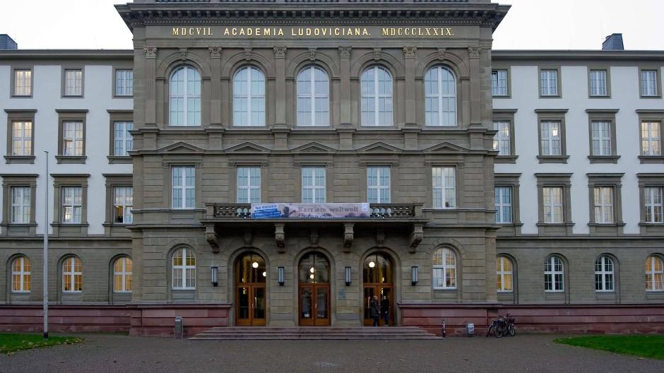 Offline: Die JLU Gießen ist offenbar von Hackern heimgesucht worden, ebenso wie das Universitätsklinikum.