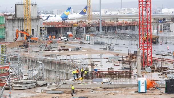 Fraport hat nun Zeitplan zur Entsorgung belasteten Erdreichs