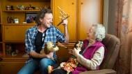 Familiensache: Puppentheater-Mitbegründerin Gertrude Richter und ihr Sohn Roland Richter