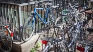 Zu wenig Stellplätze: Fahrrad-Chaos an der Hauptwache