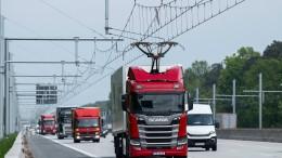 """Auf dem """"E-Highway"""" steht kaum ein Lastwagen unter Strom"""